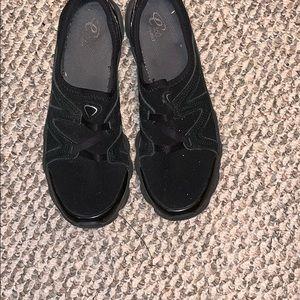 Women's Slip on Black Shoes like tennis shoe 8.5 M